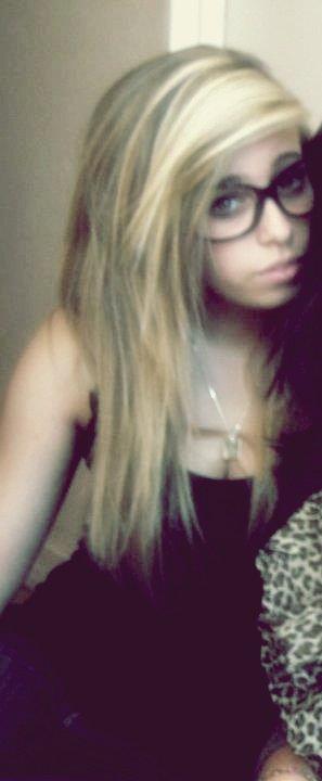 Je déteste les menteurs, j'emmerde l'amour, je suis fatiguer d'essayer. *Deuces* ♥