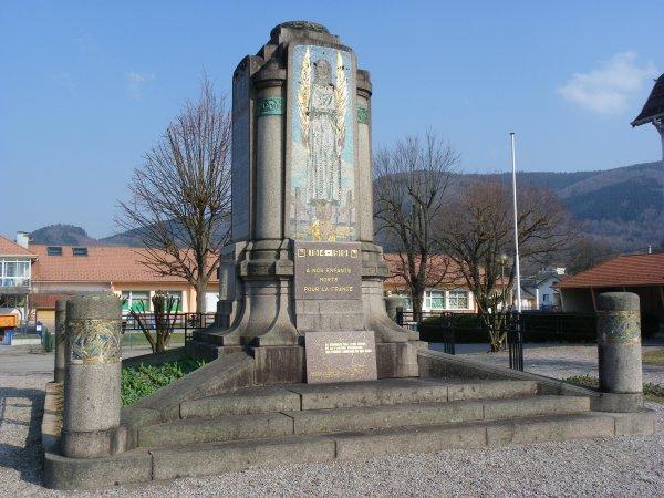 MONUMENT AUX MORTS DE RUPT SUR MOSELLE