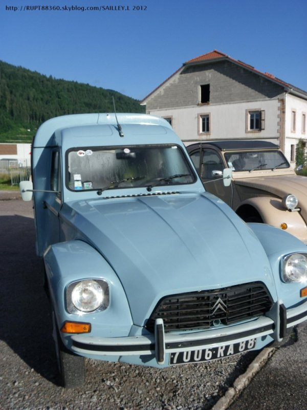 2 cv camionnette diane bleu