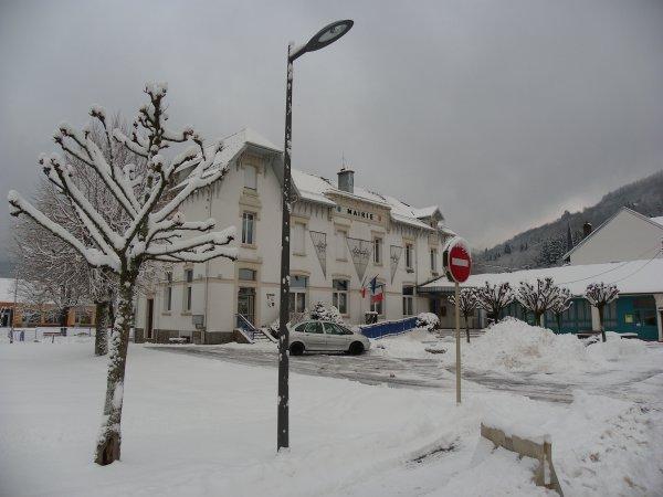 La mairie de rupt sur moselle en hiver