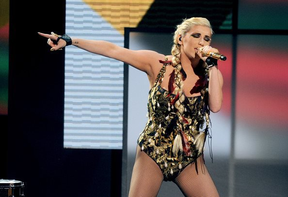 Ke$ha - Live Performance AMA's 2012