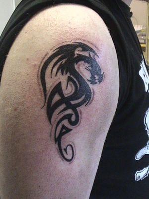 dragon tribal (epaule) - mes tattoos