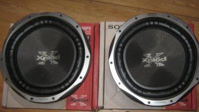 deux sub sony xplod 1500 watts chacun