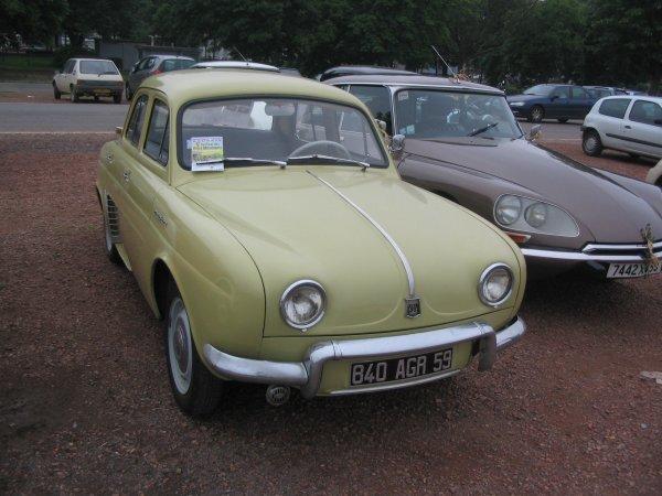 Renault Dauphine R1090 1957