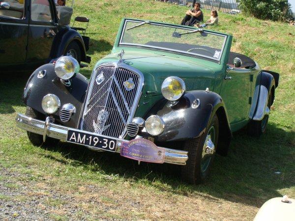 citro n traction 15 6 d cabriolet 1951 street cars. Black Bedroom Furniture Sets. Home Design Ideas