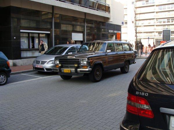 Jeep Grand Wagoneer 1986