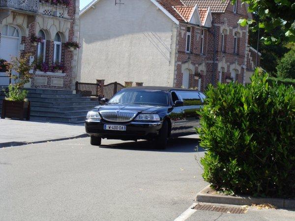 Lincoln Town Car Limousine 2002