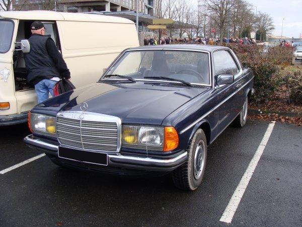 Mercedes CE W123 1977