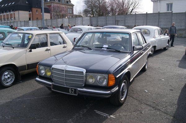 Mercedes 200 W123 1976