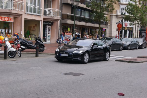 Tesla Model S 2012