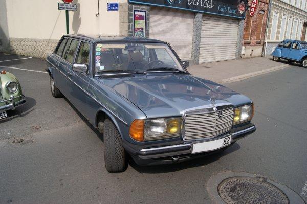Mercedes 200 W123 Limousine 1980