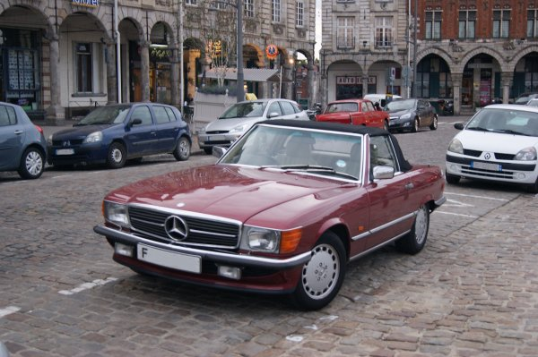 Mercedes 300 SL R107 1989