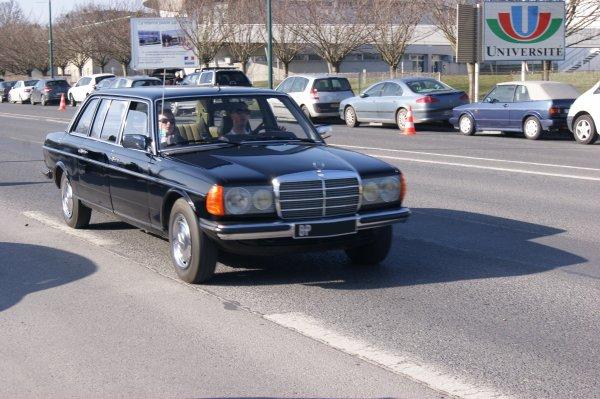 Mercedes 200 W123 1980