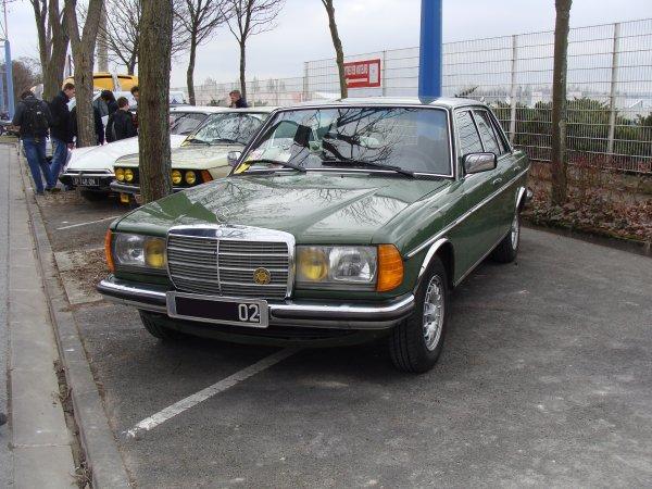 Mercedes W123 1976