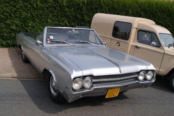 Oldsmobile F85 Cutlass 1965