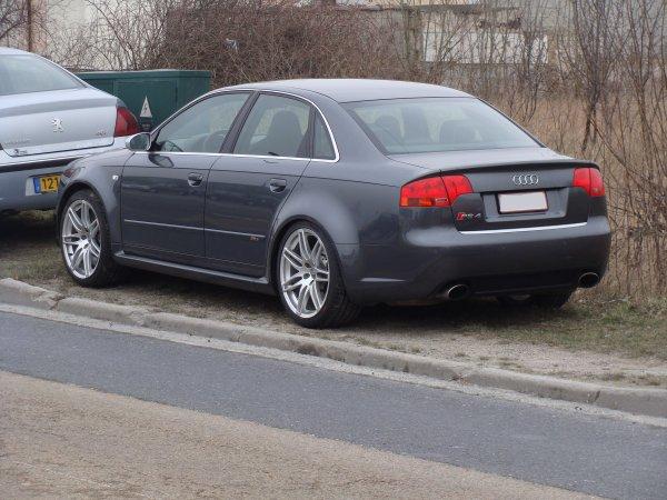 Audi RS4 B7 2005