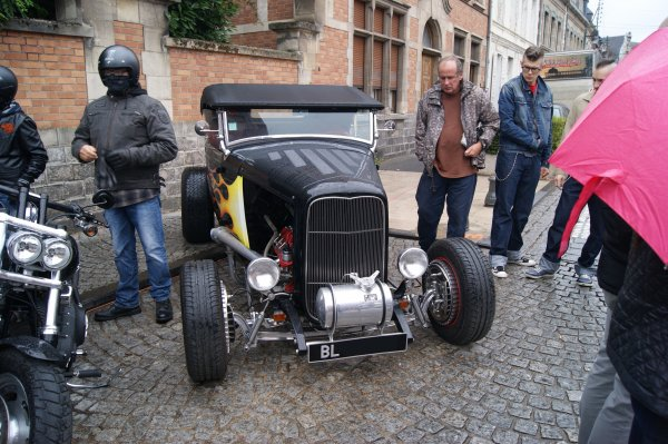 Ford V8-18 Hot Rod 1932