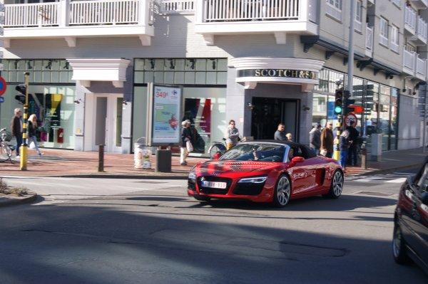 Audi R8 V10 Spyder 2012