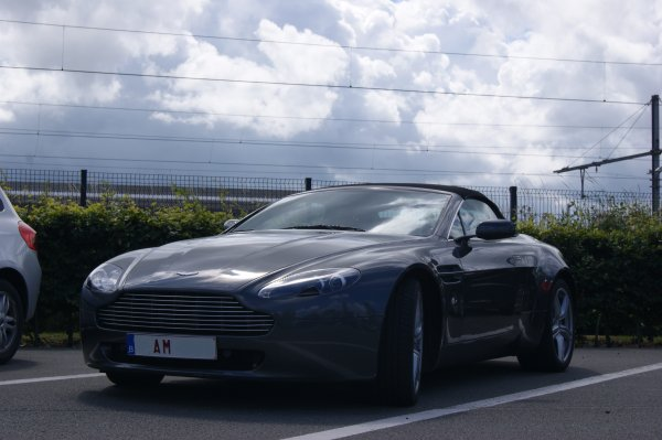 Aston Martin V8 Vantage Roadster 2006