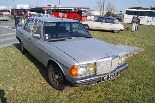 Mercedes 230 E W123 1982