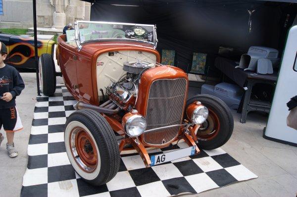 Ford V8-18 1932
