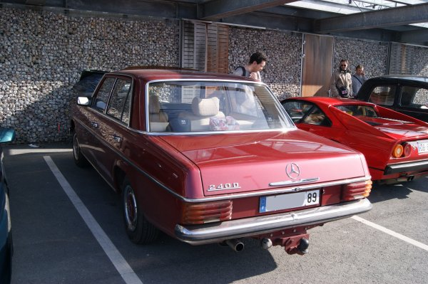 Mercedes 240 D W114 1974