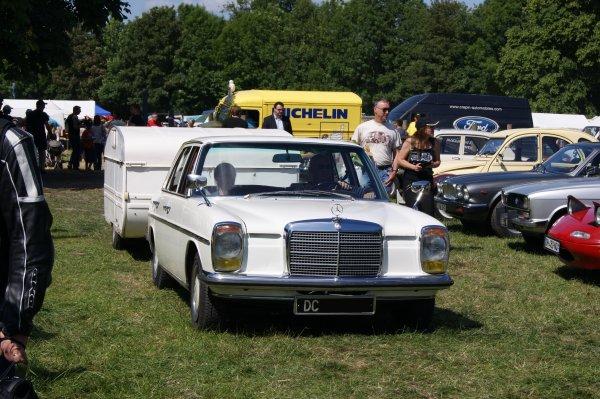 Mercedes 200 W114 1967