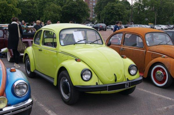 Volkswagen Coccinelle Drei Kafer Auf Extra-Tour 1973