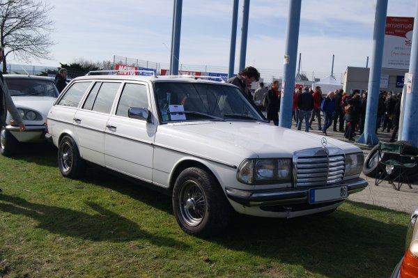Mercedes 200 W123 T 1982