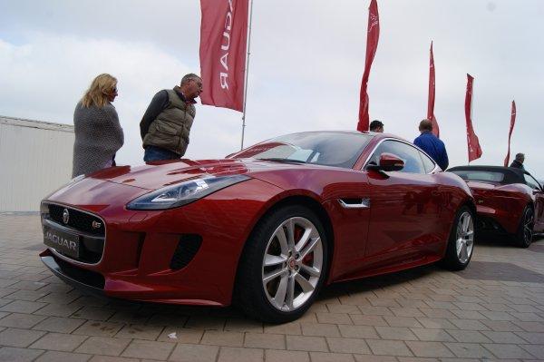 Jaguar F-Type S 2013
