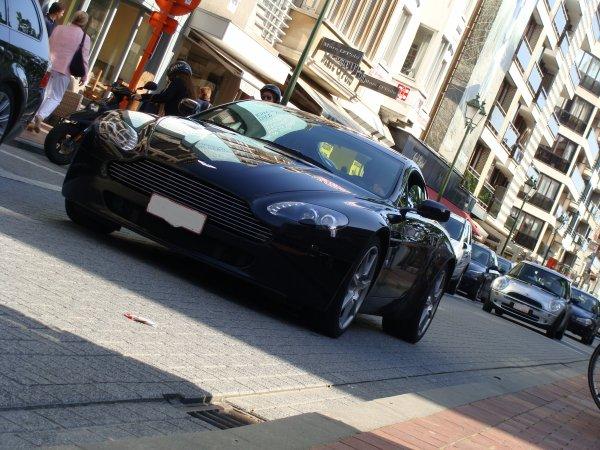 Aston Martin V8 Vantage 2005