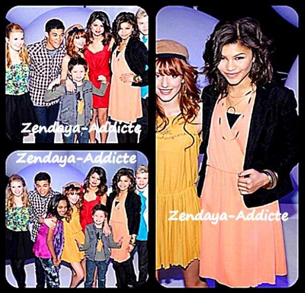Zendaya-Addicte ; Selena Gomez , Bella thorne , David cleveland , Roshon Fegam , Adam Irogyen  & Zendaya à assister a l`avance de la famille Disney et a Gotham Hall le 16 mars 2011 a a New york City .