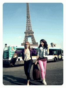 Bella et Zen devant le tour Effel :-)
