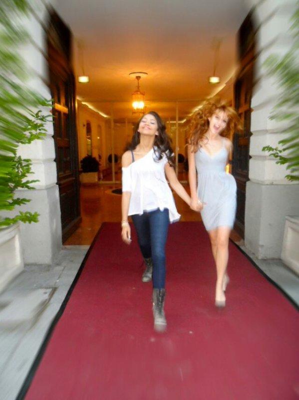 Bella et Zen dans leur Hotel :-)