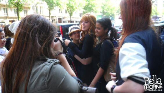Voila des photos exclusifs sur leurs voyage a Paris + nouveau gifboom