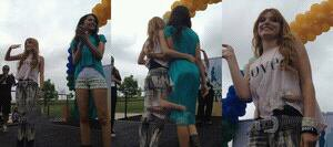Photo de Bella et Zendaya à Walkathon Positivo le 9 juin 2012