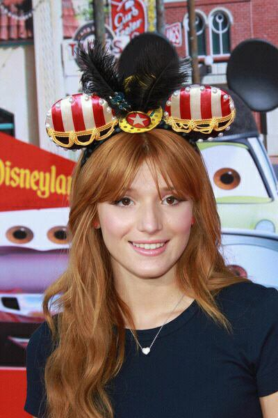 Suite des photos de Bella a Cars Land le 12 juin