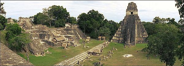 . La Cité Maya de Tikal .