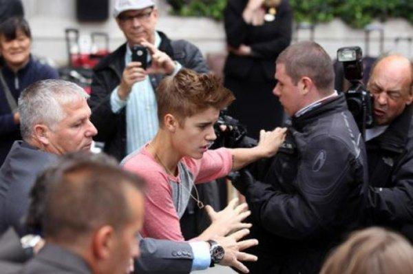 Justin Bieber : Il quitte Londres, agâcé par les paparazzis