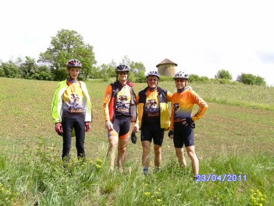 Sortie VTT du 23/04/2011: Tous les chemins mênent à .....Bajou .......