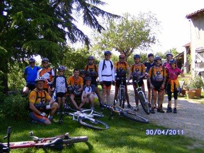 Sortie VTT du 30/04/2011: La plaine de Villeneuve du Paréage... en famille