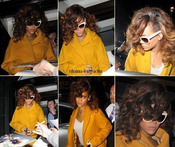 19 Août ~ Rihanna au restaurant « Nozomi », Londres