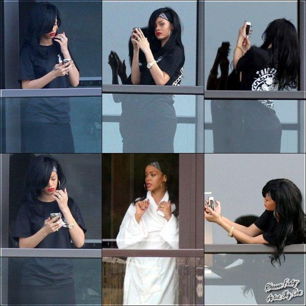 07 Avril : Rihanna arrivant à l'aéroport de Sydney. TOP ou FLOP ?