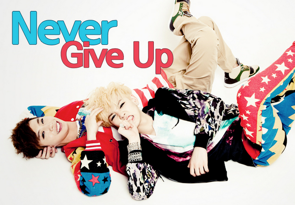Bang&Zelo - Never give up ~  I'm back in da school back, back in da school Geondeulgeondeul I'm back in da school, Never Give Up ♪