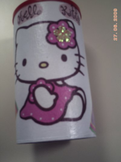 TIRELIRE EN HELLO KITTY