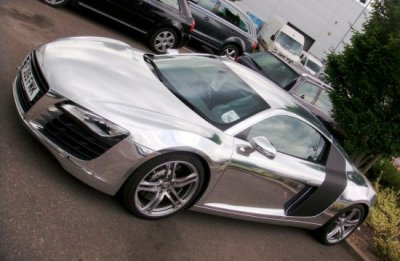 une Audi  Chromé