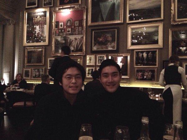 13/11/2013 : Post de Kyuhyun sur Twitter / Post de Donghae sur Twitter / Post de Siwon sur Twitter