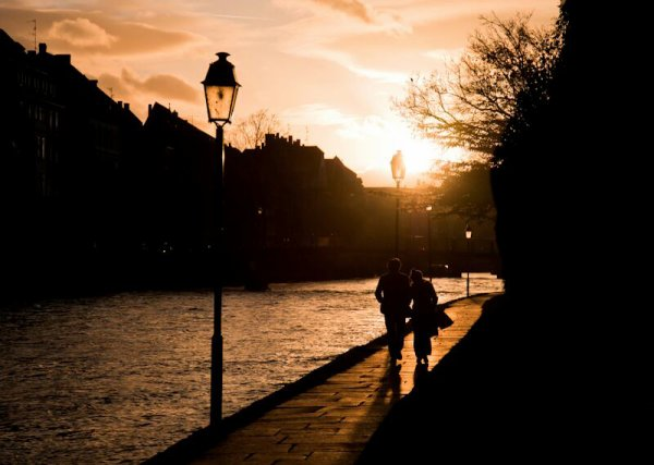 Ballade romantique au bord de l eau il suffit d un rien pour etre heureux;-)