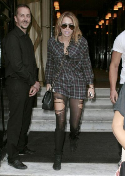 Miley Cyrus leaving her hotel in Paris (September 5th, 2010)