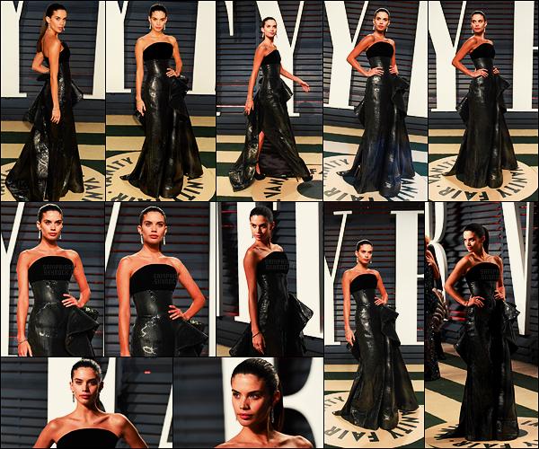 26/02/17 - Au soir, Sara Sampaio  s'est rendue à la soirée Vanity Fair Oscar Party  dans Los Angeles, CA.  Sara a décidé de ne pas faire comme tout le monde niveau robe, ce choix audacieux mérite-il un top ou un flop? Pour moi, ce sera un top.